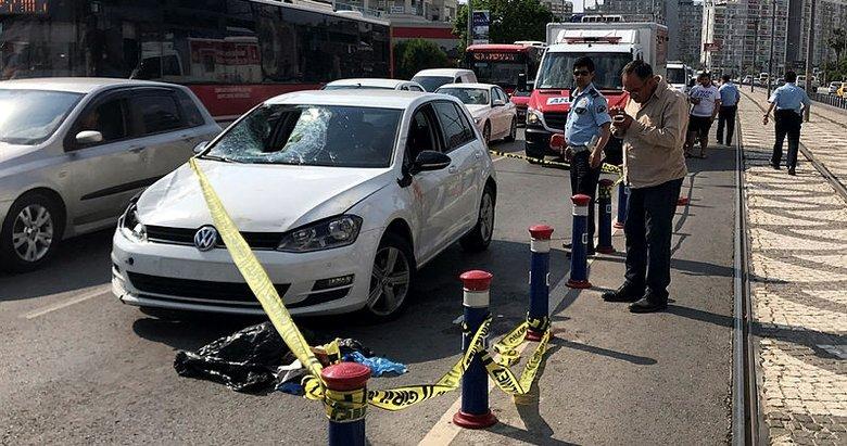 Eski rektör Çevik feci kazada can verdi