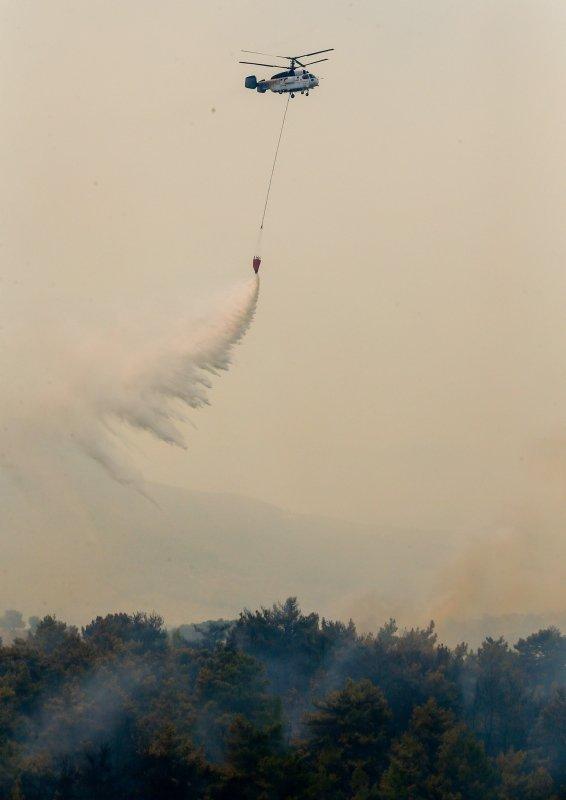 İzmir'de yangını söndürme çalışmaları havadan görüntülendi