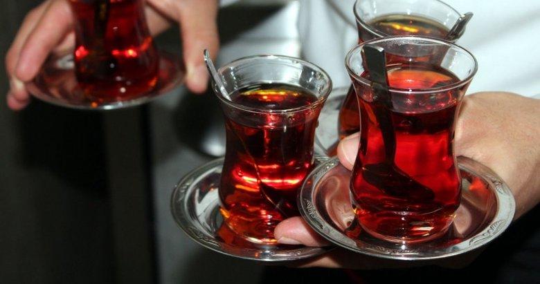 Çay çok fazla tüketildiğinde insanları hasta ediyor