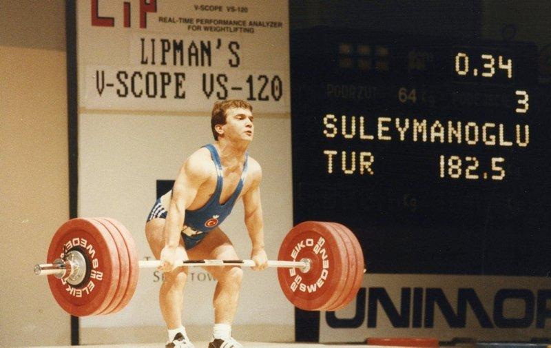Cep herkülü Naim Süleymanoğlu ölüm yıl dönümünde anılıyor!