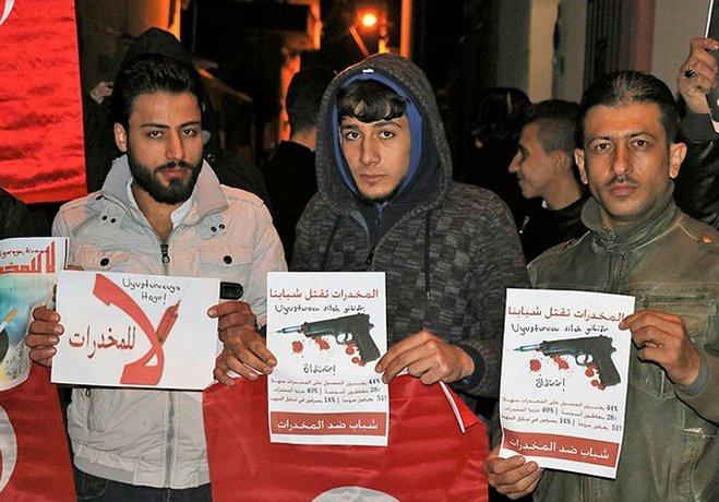 İzmirde Suriyelilerden uyuşturucu tepkisi