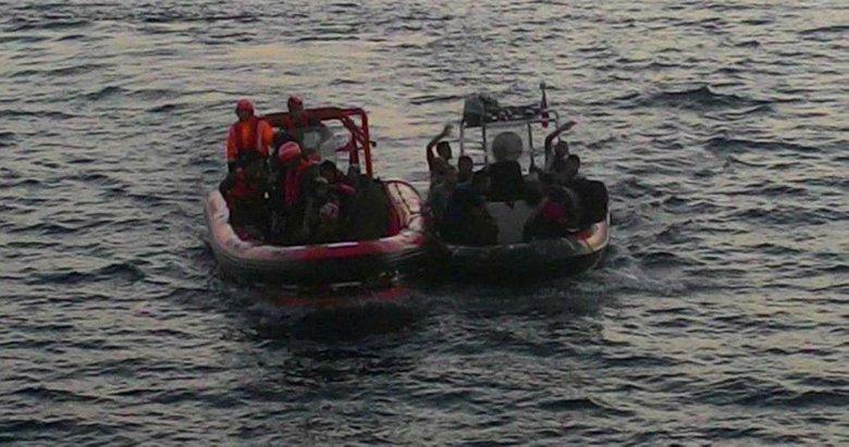 Davutlar'da 44 kaçak göçmen ve 1 insan kaçakçısı yakalandı