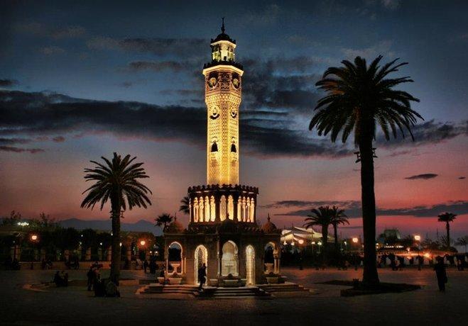 İzmir'in ünlü Konak Meydanı'nın asıl ismi...