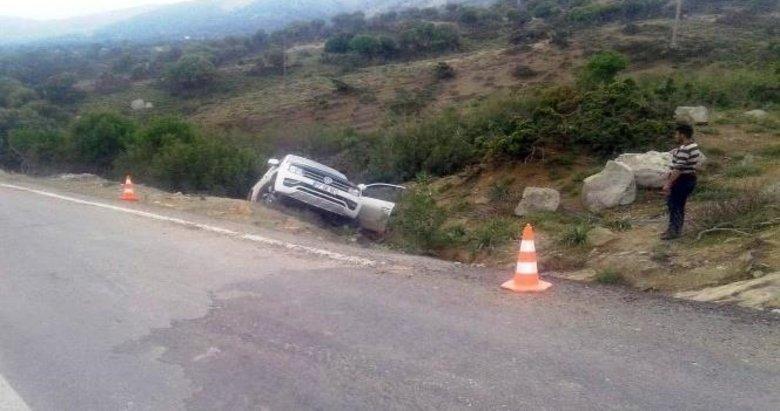Hafif ticari araç şarampole yuvarlandı: 1 ölü
