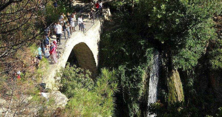 Uşak'taki 2 bin 500 yıllık Clandras Köprüsü kentin yeni turizm merkezi