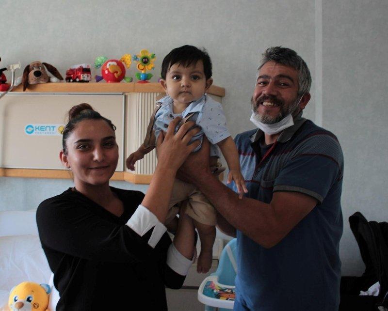 11 aylık siroz hastası bebeğe yaşam hediyesi verdi