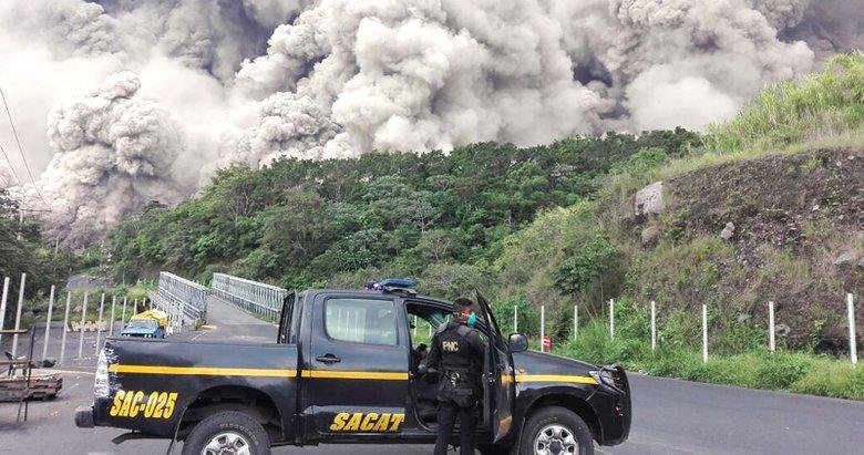 Orta Amerika ülkesi Guatemala'da patlayan Fuego Yanardağı'ndan dünyayı şoke eden görüntüler