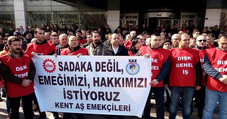 İzmir'de ikramiyeleri ödenmeyen belediye işçileri eylem yaptı