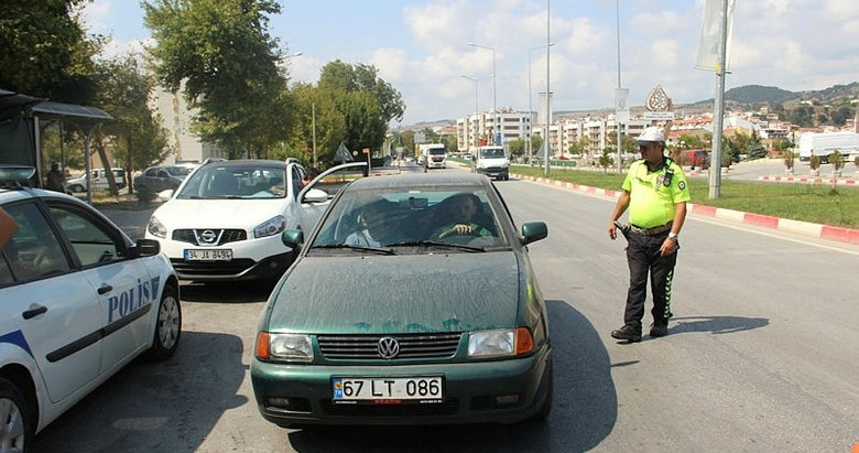 Çanakkale Çan'da trafik ekipleri denetimlerini sıklaştırdı