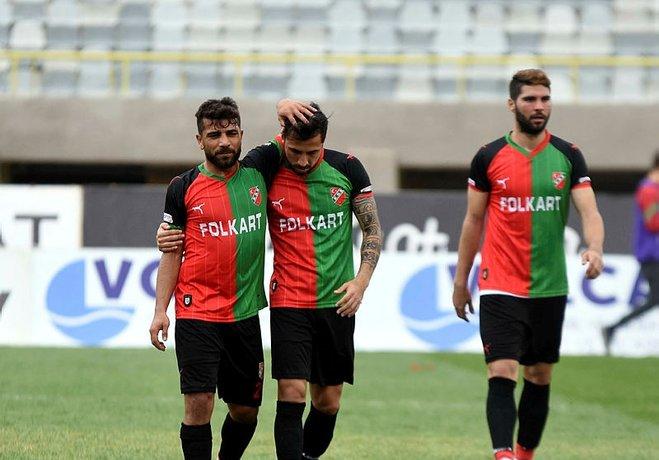 Kaleci Erhan'ın bir penaltı vuruşunu kurtardığı maçta Konya ekibini geçemeyen Kaf - Kaf taraftarlarını üzdü.