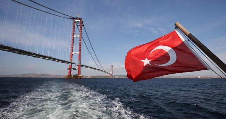 Çanakkale Köprüsü'nde tarihi gün! Bakan Karaismailoğlu Anadolu'dan Avrupa'ya yürüyerek geçecek