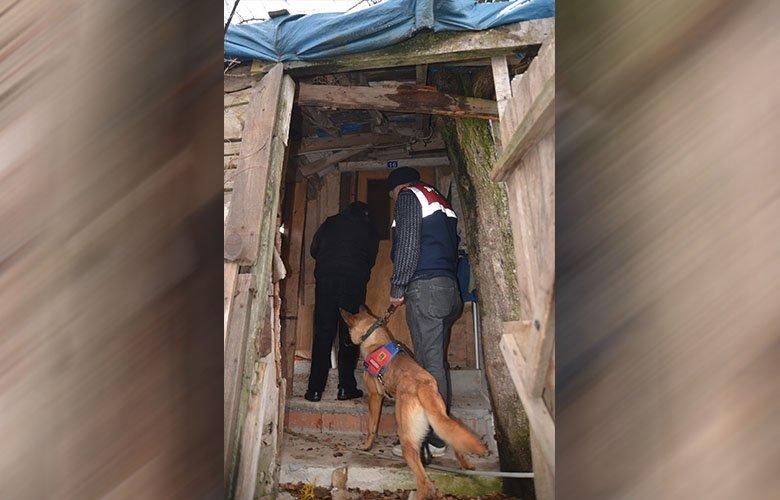 Cezaevine girdi evinden çıkanlar şok etti! Tavana asılı halde bulundu...