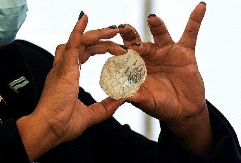 Botsvana'da dünyanın en büyük 3. elması bulundu - Dış Haberler Haberleri