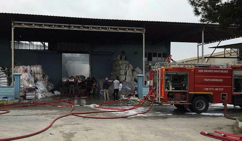 Keçe fabrikasında korkutan yangın