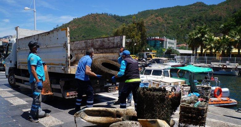Sahil Güvenlik ekipleri Marmaris'te deniz dibi temizliği yaptı