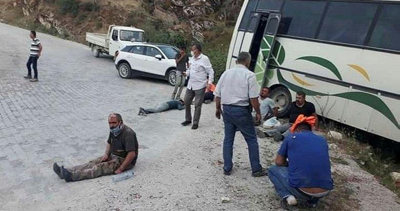 Aydın'da kayalıklara çarpan işçi servisinde can pazarı yaşandı