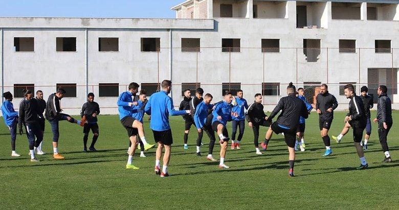 Menemensporlu futbolcuların koronavirüs testi negatif çıktı