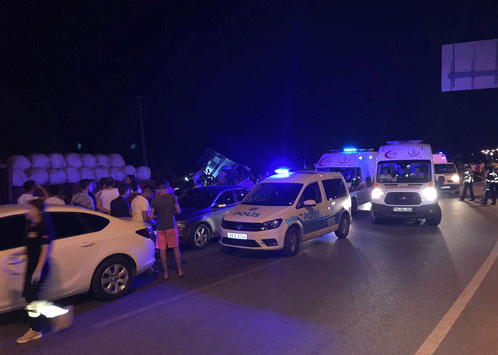 Aydın'da yolcu otobüsü devrildi
