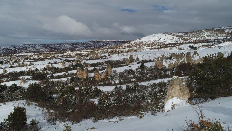 Frigya'da kış manzarası büyülüyor