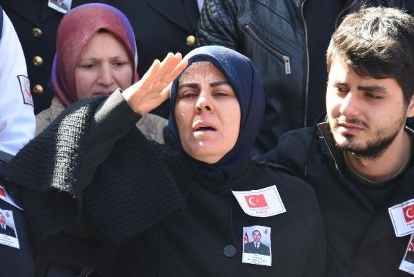 Şehit Uzman Çavuş Yılmaz'ı, Kütahya'da 20 bin kişi uğurladı