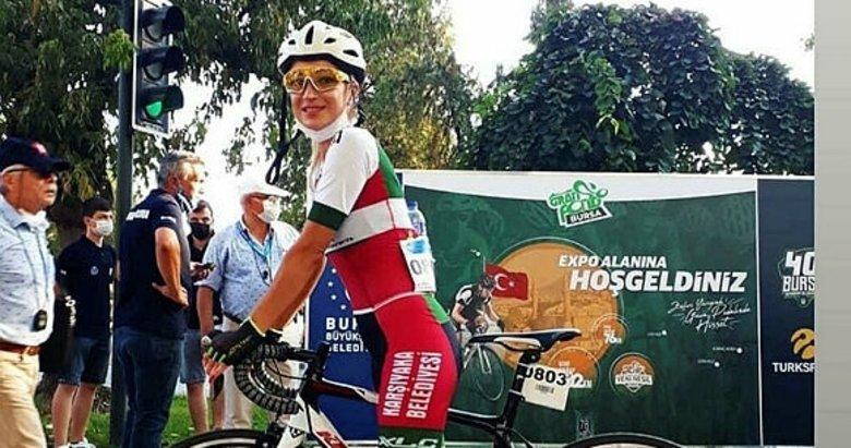 Trafik kazasında hayatını kaybeden bisikletçi Zeynep Aslan, İzmir'de anıldı