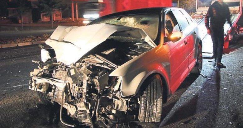 Ters yöndeki alkollü sürücü TIR'a çarptı