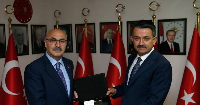 Tarım ve Orman Bakanı Pakdemirli'den, İzmir Valisi Köşger'e ziyaret