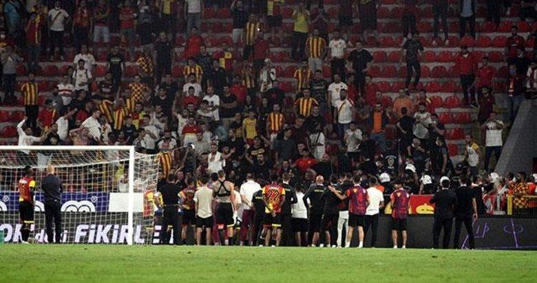 Göztepe tribünlerinden futbolculara protesto