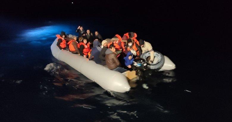 Balıkesir'de 48 kaçak göçmen kurtarıldı