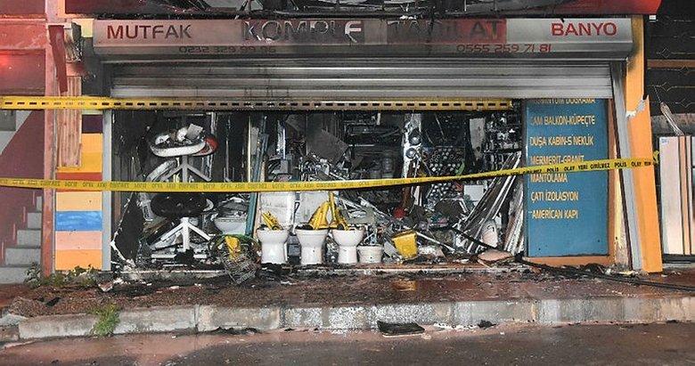 İzmir'de hırdavat dükkanı küle döndü: 1 ölü