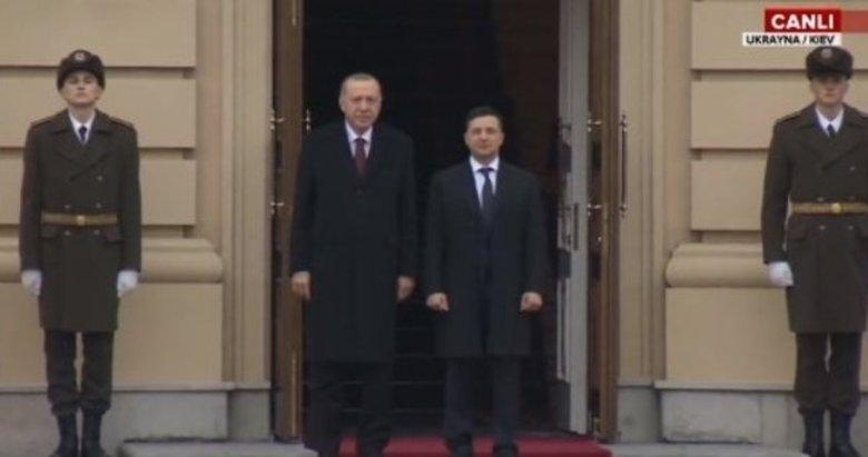 Başkan Erdoğan, Vladimir Zelenskiy tarafından resmi törenle karşılandı