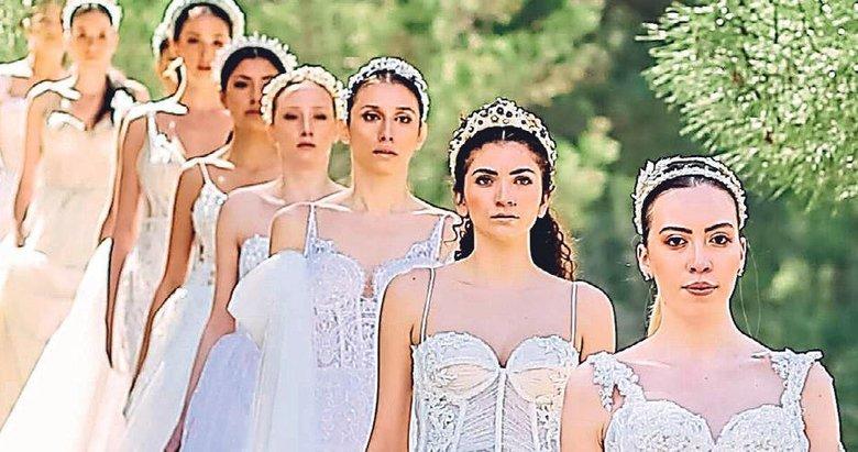 Türk Moda tarihinde bir ilk yaşandı: Ormanda defile