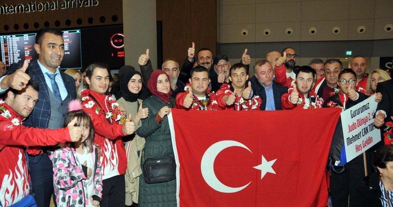 Şampiyonlar Türkiye'ye madalya ile döndü
