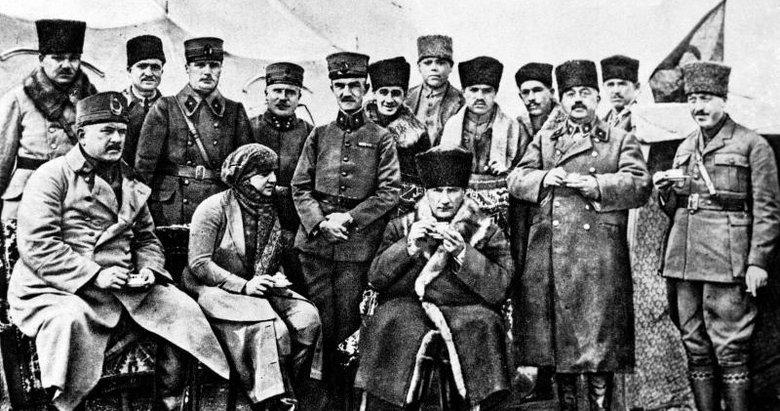 Türkiye Cumhuriyeti'nin kurucusu Mustafa Kemal Atatürk'ün vefatının 82. yıldönümü!
