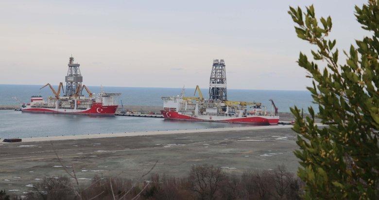 Fatih ve Kanuni sondaj gemileri, Filyos Limanı'nda bir araya geldi