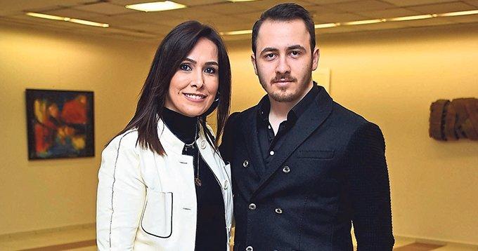 'Çehov Kabare' İzmir seyircisini güldürdü