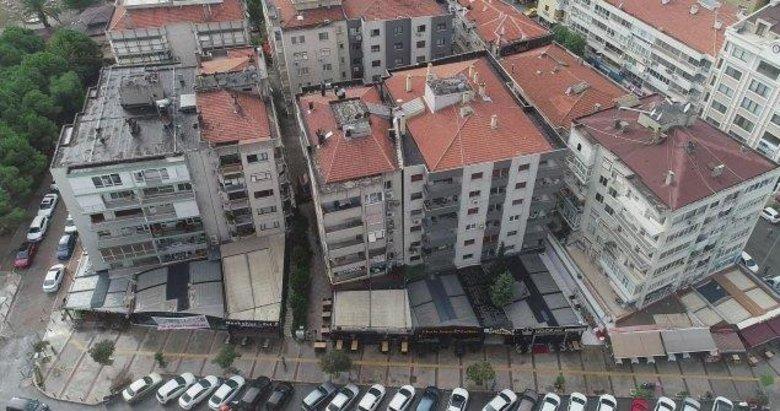 Bostanlı'daki eğik binaların tahliyesine başlandı