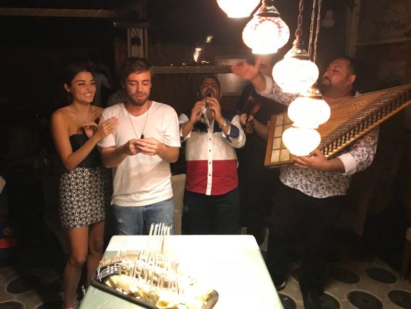 Halka dizisinin yıldızı Hande Erçel hakkında şaşırtan gerçek!