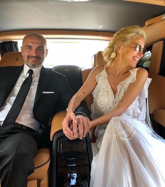 Burcu Esmersoy'un evlilik totemi!