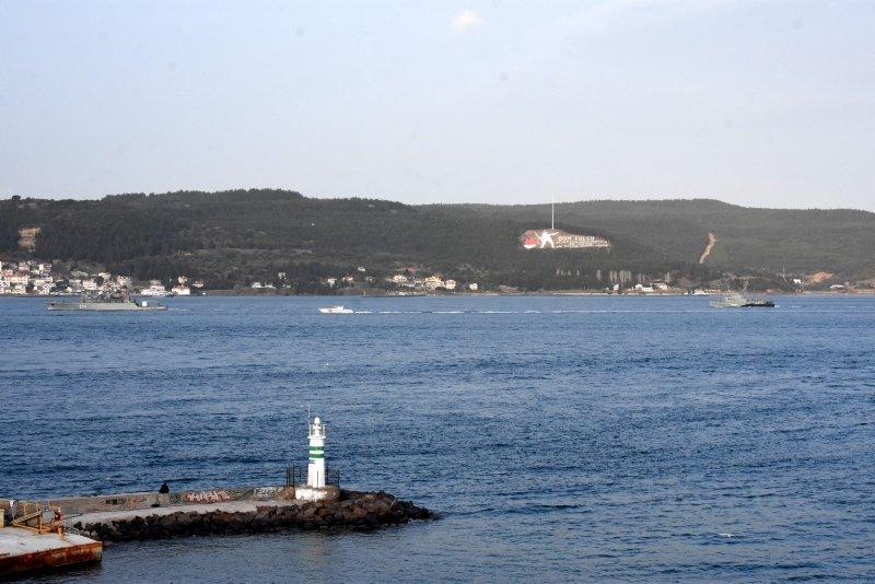 Romanya ve Almanya savaş gemileri, Çanakkale Boğazı'ndan geçti