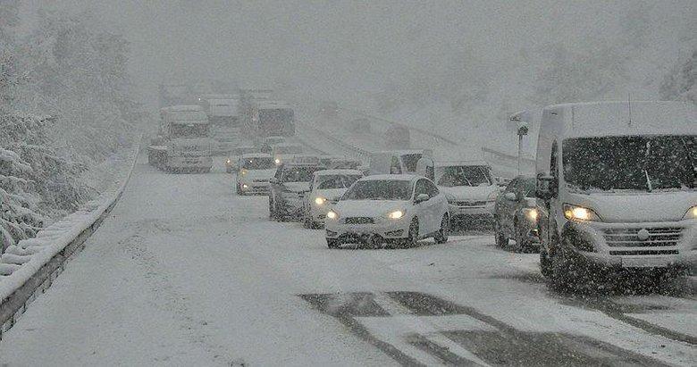 İzmir'in 4 ilçesi için kar uyarısı! Bugün hava nasıl olacak?