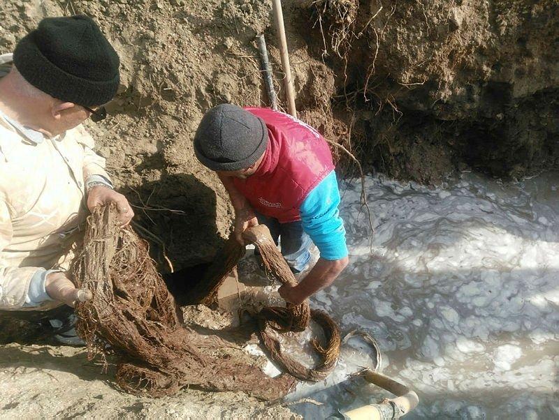 Manisa'da içme suyu hattından çıkan şey herkesi şaşırttı!