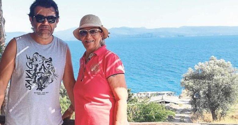 Tipi, annesi ile tatilde