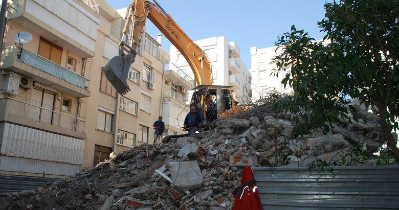 İzmir'de Rahip Brunson'ın evi yıkıldı