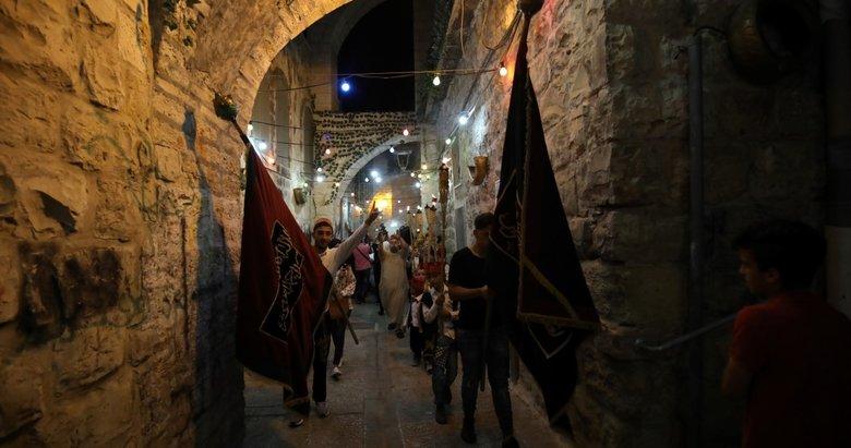 Kudüs'te Filistinlilerin En büyük kandil yürüyüşü