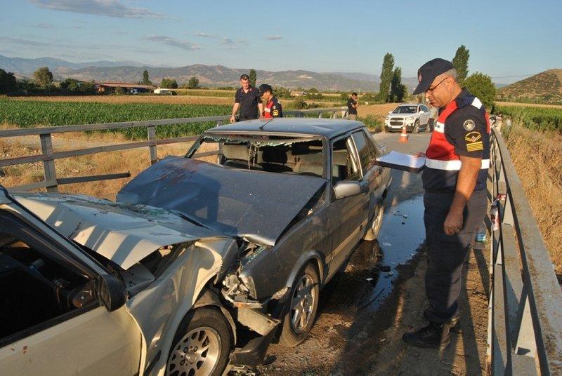 İzmir Ödemiş'te feci kaza! 11 kişi yaralandı