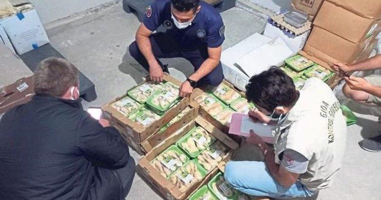 Bodrum'da 1 ton tarihi geçmiş gıda imha edildi