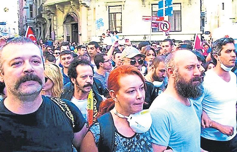 Çakma vatanseverlere tepki yağdı