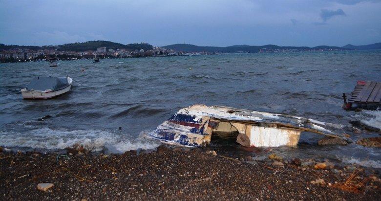 Balıkesir'i lodos vurdu! Ayvalık'ta tekneler parçalandı, bazı ev ve iş yerleri zarar gördü