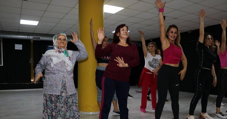 Aydın'da gelin kaynana dansta! Neşe kaynağı oldu